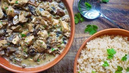 piletina sa gljivama i smeđom rižom