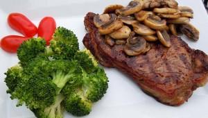 Biftek s šampinjonima