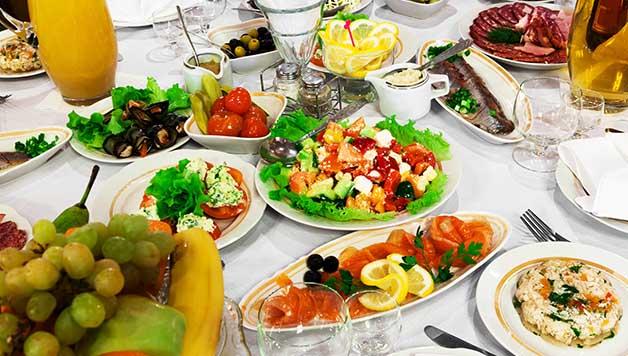 Kako jesti za vrijeme blagdana, a ne udebljati se