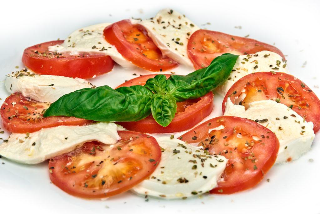 VEČERA – Mozarella s rajčicom